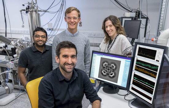 Dr Agustin Schiffrin and his team at the Monash School of Physics and Astronomy.