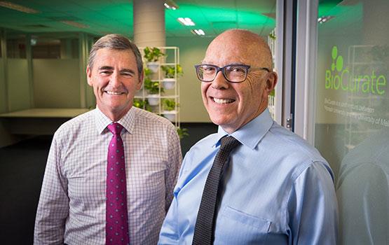 Dr Glenn Begley (R), the Hon. John Brumby (L)