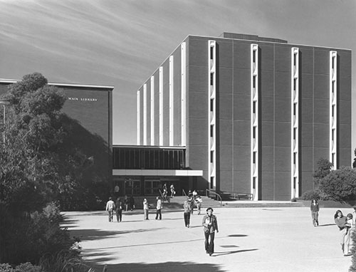 Monash University Archives, IN7193, Photographer Herve Alleaume