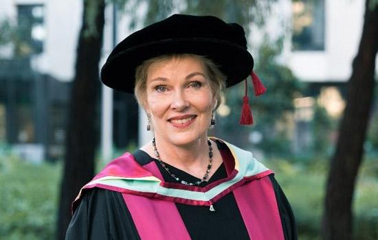 Dr Jane Oppenheim