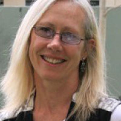 Dr Leanne Weber