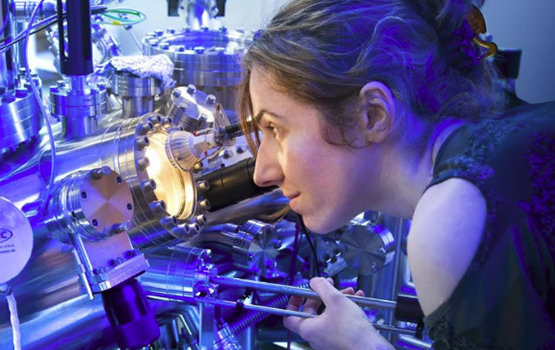 Monash University PhD student Marina Castelli examines samples in scanning tunnelling microscope